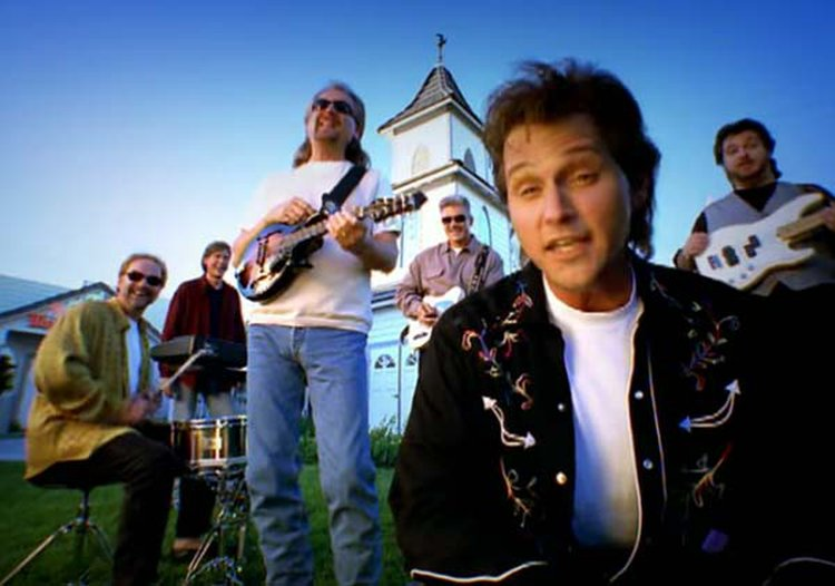 Music Friday: Diamond Rio's Marty Roe Puts a 'Big Down Payment on That Itty Bitty Diamond Ring'